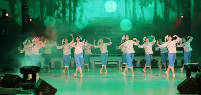 花语舞蹈队舞蹈《茶灵》